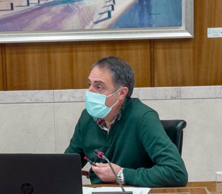 """PP Vitoria pide a Urtaran que """"entierre definitivamente"""" su ataque a las dobles filas de colegios concertados"""