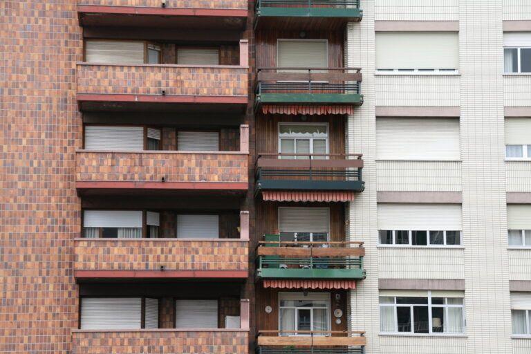 """Arranca el Plan de Ciudad de PP Vitoria para """"impulsar la construcción de terrazas en viviendas en Vitoria-Gasteiz"""""""